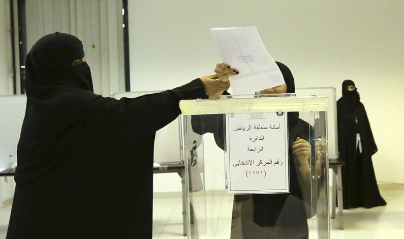 donna_araba_seggio