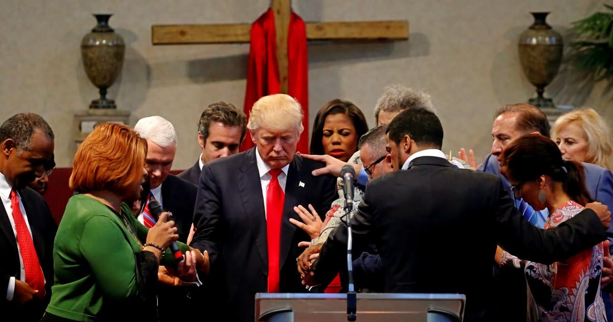 trump-pray
