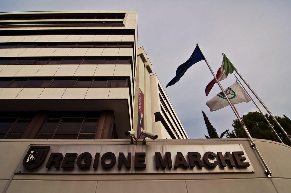 La clericalata della settimana, 32: Regione Marche manda gli studenti al Meeting ciellino di Rimini